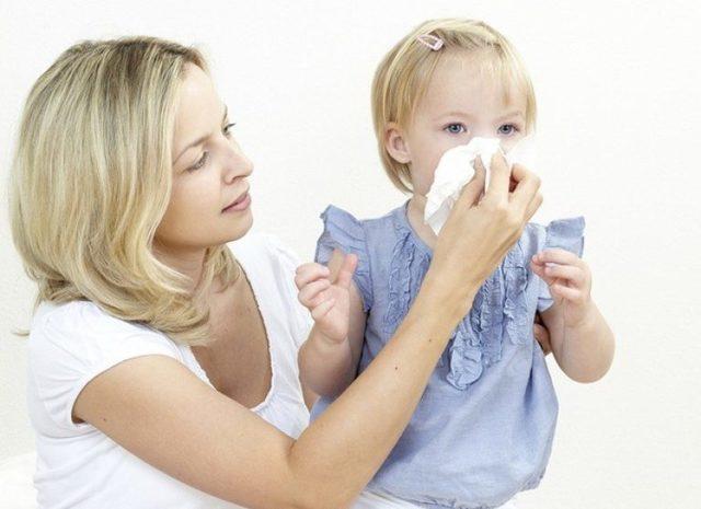 Насморк у ребенка: симптомы, что делать, быстрое лечение