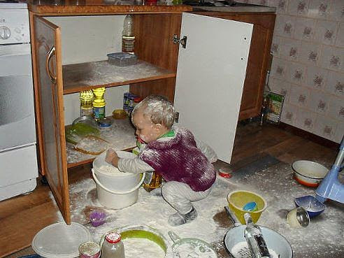 Простые и важные правила безопасности малыша на кухне
