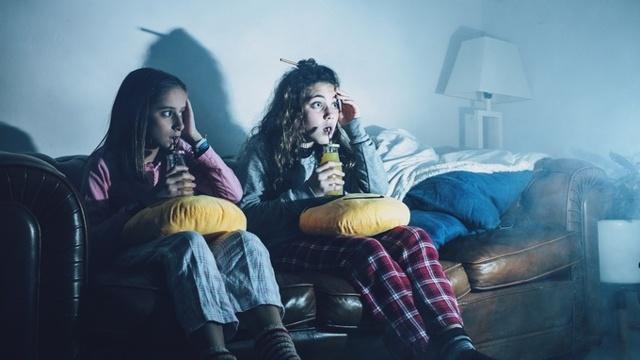 Страх ребенка перед темнотой: признаки, как бороться