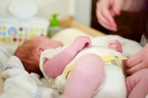 Мифы о памперсах: мнения педиатров, советы молодым мамам