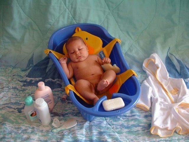 Как правильно купать новорожденного ребенка дома - pro-detey.com
