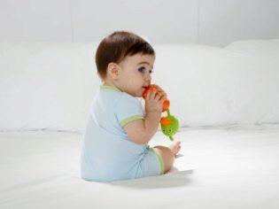 Когда ребенок начинает сидеть: во сколько месяцев дети садятся - pro-detey.com