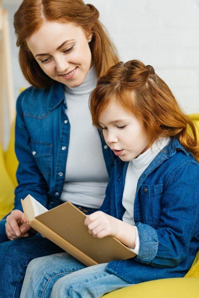 Надо ли учить ребенка читать и писать до школы: трудности обучения